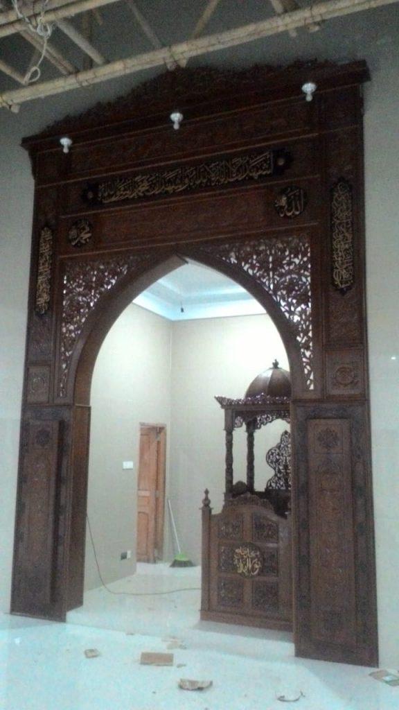 Mihrab Jati Ukir Kembang