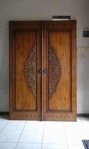 Pintu Jati Ukir Klasik