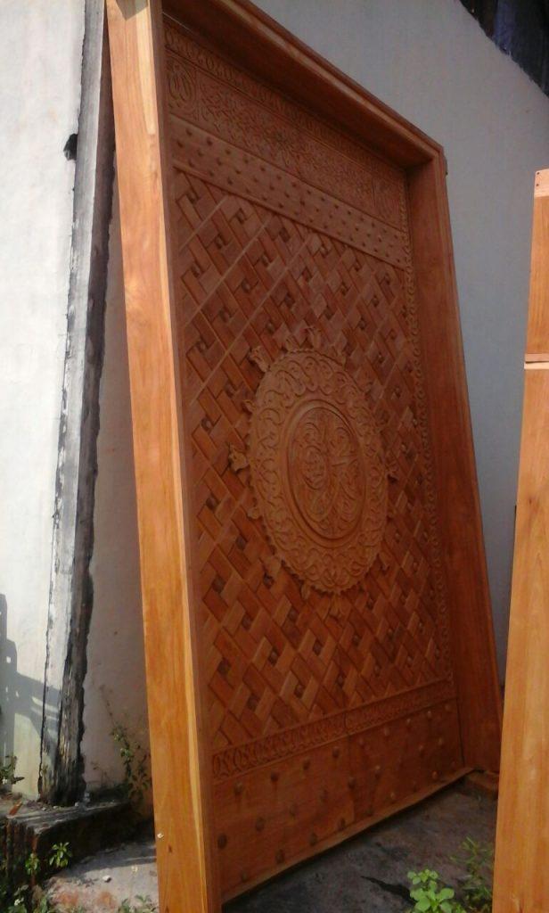 Pintu Jati Masjid Nabawi